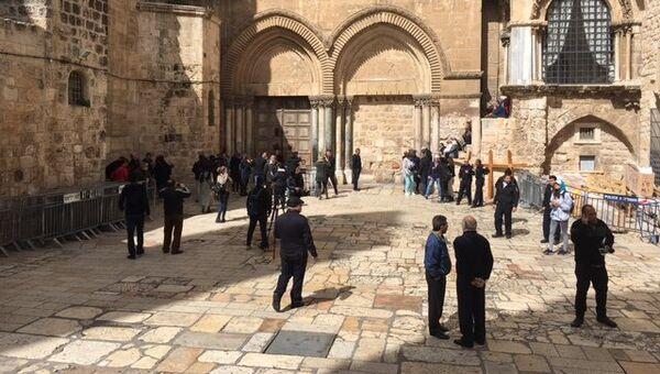Закрытый Храм гроба Господня в Иерусалиме в знак протеста против муниципального налога. 26 февраля 2018