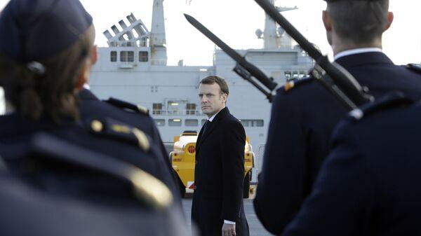 Президент Франции Эммануэль Макрон в военном порту в Тулоне