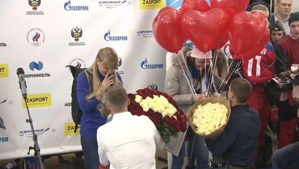 Цветы и предложение о замужестве: как встретили лыжниц после Игр-2018