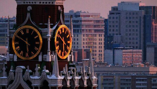 Часы на Спасской башне Московского Кремля