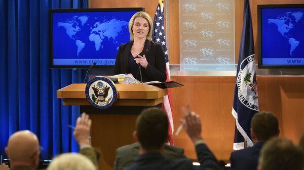 Официальный представитель Госдепартамента США Хизер Науэрт во время брифинга. Архивное фото
