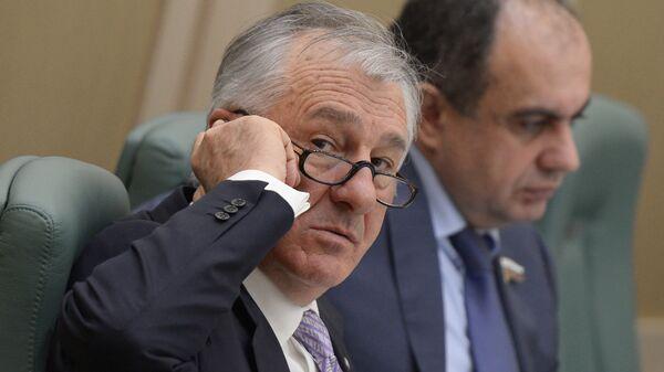 Член комитета Совета Федерации по аграрно-продовольственной политике и природопользованию Вячеслав Дерев