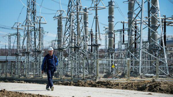 Инженер на месте строительства Таврической (Симферопольской) ТЭС в Крыму