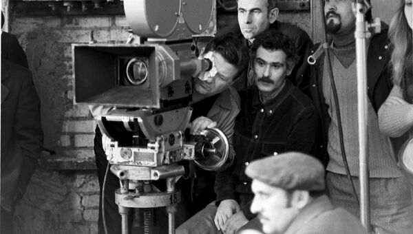 Леонид Квинихидзе во время съемок фильма Шляпа