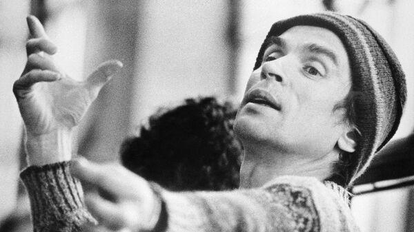 Рудольф Нуреев руководит Бостонским балетом на репетиции Дон Кихот