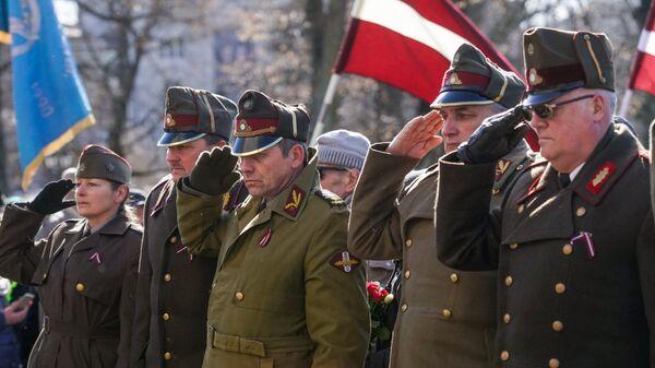 Участники марша бывших латышских легионеров Ваффен СС и их сторонников