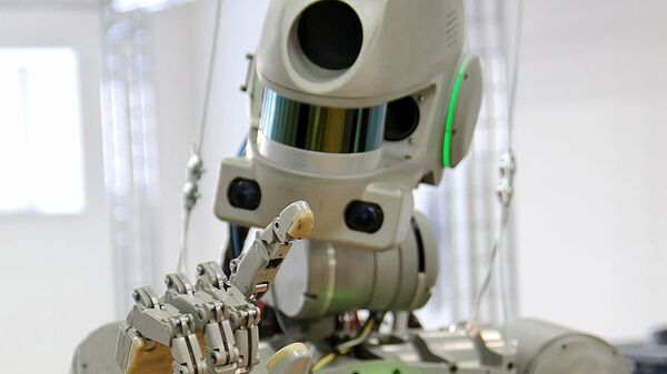 Робот Федор