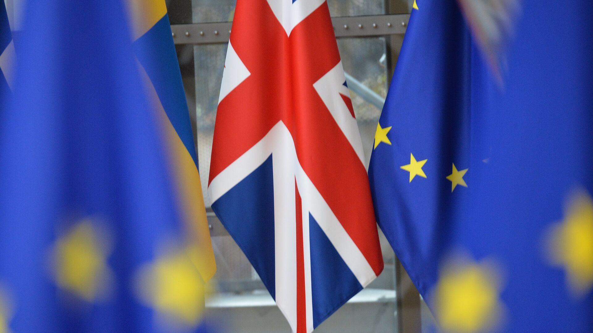 Флаг Великобритании на саммите ЕС в Брюсселе - РИА Новости, 1920, 17.09.2021