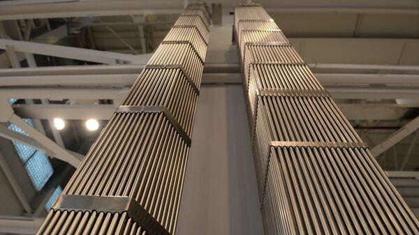 Образцы тепловыделяющих сборок ТВС-2М (ВВЭР-1000) и ТВС-Квадрат (PWR-900) изготавливаемых на ОАО Новосибирский завод химических концентратов