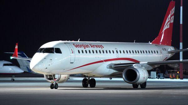Самолет Embraer-190 авиакомпании Georgian Airways. Архивное фото