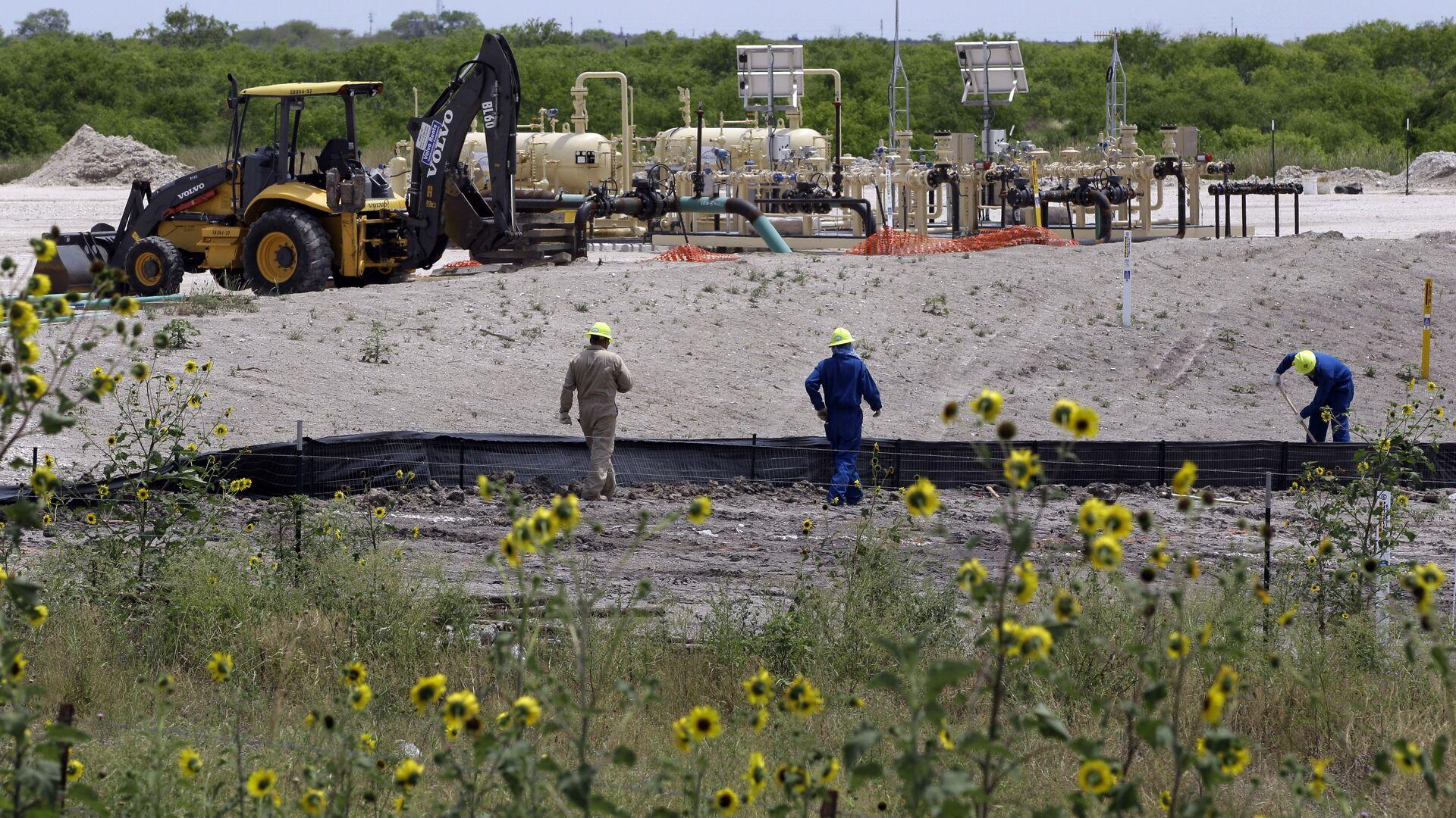 Добыча сланцевого газа на месторождении Eagle Ford, штат Техас - РИА Новости, 1920, 28.09.2021