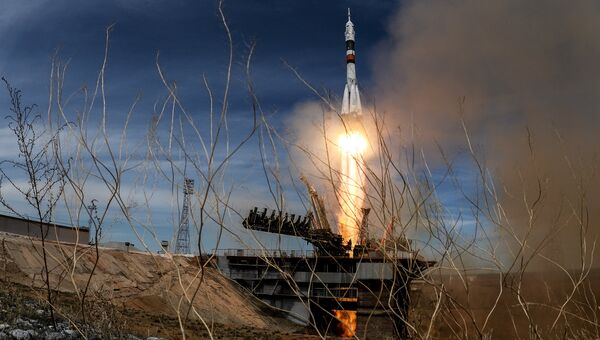Пуск ракеты-носителя Союз-ФГ с ТПК Союз- МС-04 с космодрома Байконур
