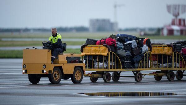 Самолеты в международном аэропорту Омск-Центральный
