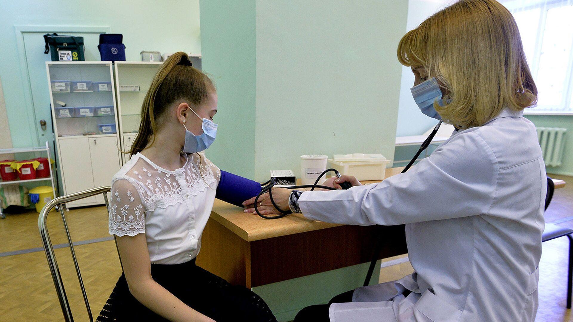 В России 13 тысяч врачей-волонтеров обслуживают четыре миллиона человек - РИА Новости, 1920, 31.08.2021