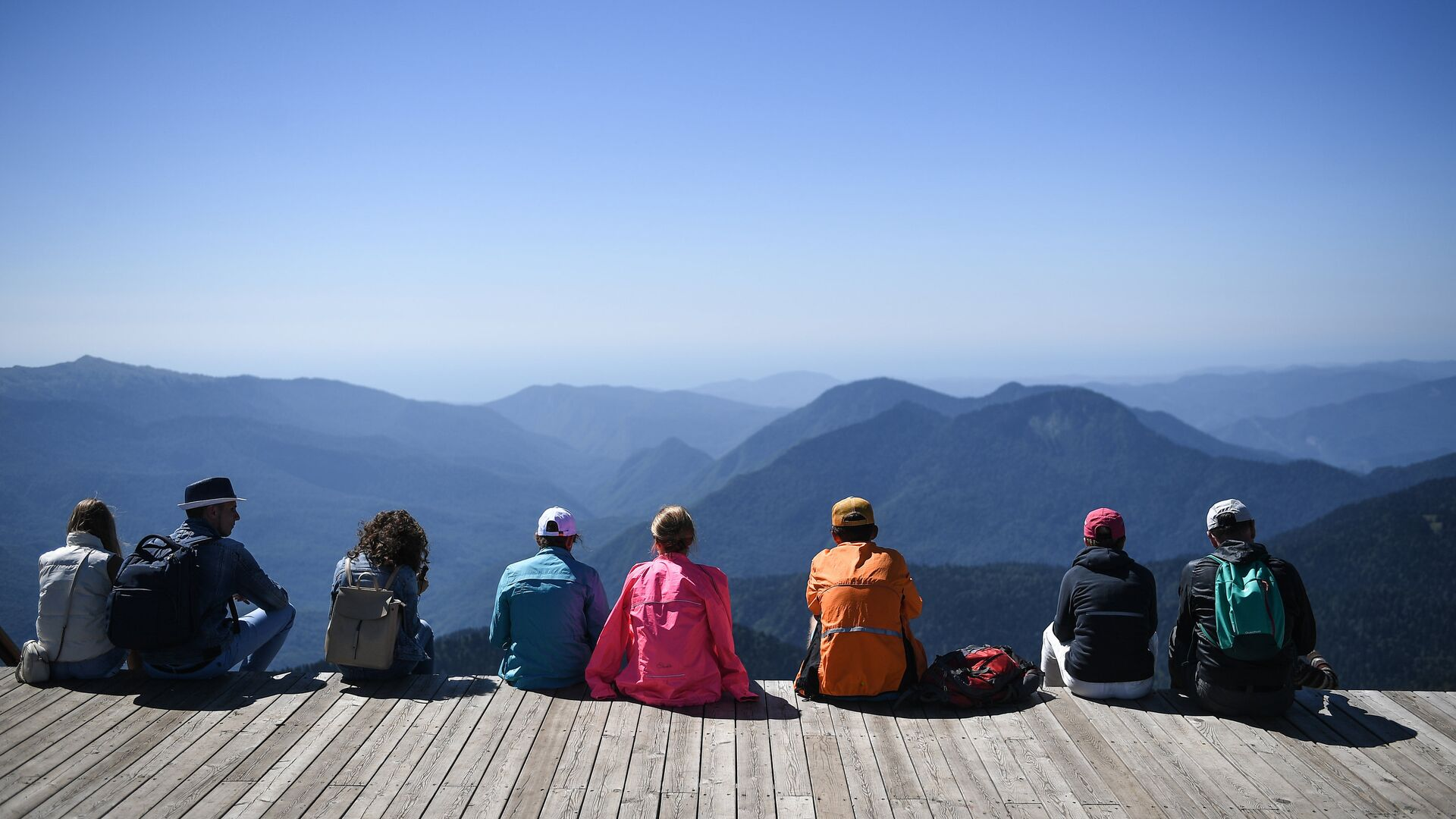Туристы на обзорной площадке на вершине Роза Пик на высоте 2320 метров. - РИА Новости, 1920, 23.05.2021