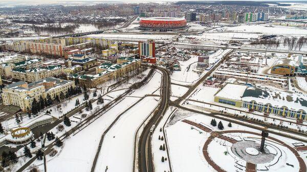 Вид на Саранск. Справа - фонтан у памятника Дружбы народов