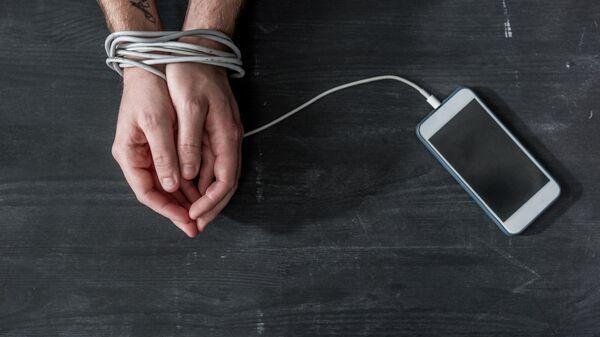 Психолог рассказал, как сбои в работе соцсетей могут помочь людям
