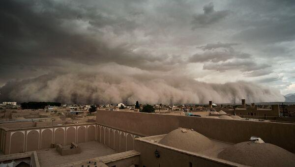 Песчаная буря в Йезде,  Иран