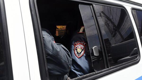 Сотрудники полиции в Ереване