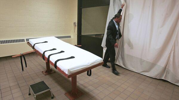 Комната, где приводится в исполнение смертный приговор через смертельную инъекцию, в тюрьме штата Огайо, США
