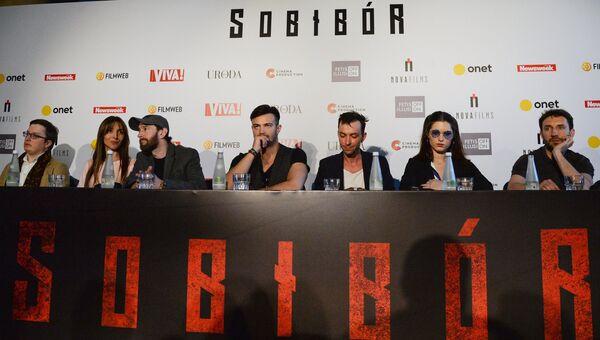 Пресс-конференция перед премьерой фильма Собибор. Архивное фото