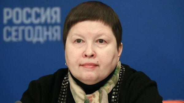 Елена Сутормина