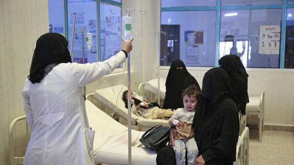 Люди, обратившиеся в больницу Саны с подозрением на холеру