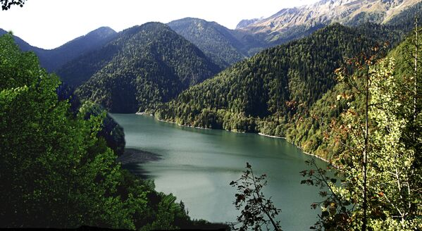 Рица - горное озеро на Западном Кавказе, в Абхазии.