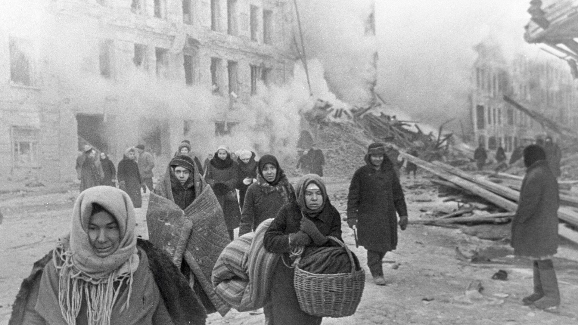 Жители блокадного Ленинграда - РИА Новости, 1920, 18.06.2021