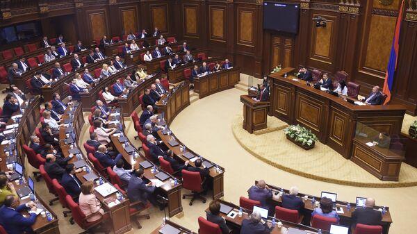 Внеочередное заседание по выборам нового премьер-министра в парламенте Армении. 1 мая 2018