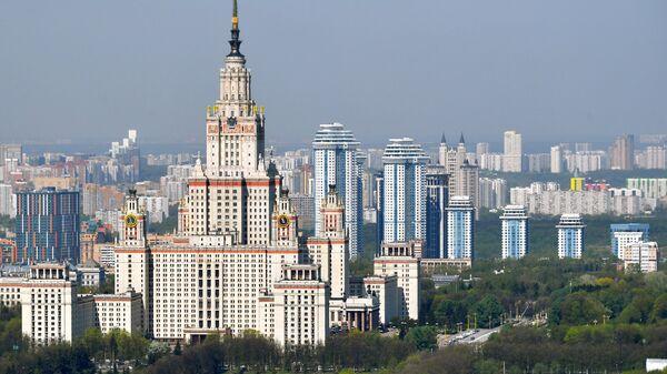 Вид на главное здание МГУ им. М.В.Ломоносова