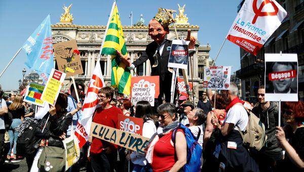 Шествие противников президента Франции Эммануэля Макрона, Париж. 5 мая 2018