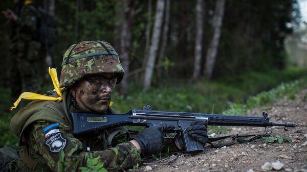 Солдат эстонской армии во время учений Siil-2015