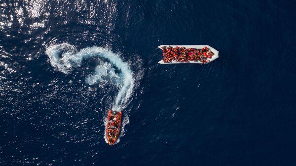 Спасение мигрантов и беженцев у берегов Ливии