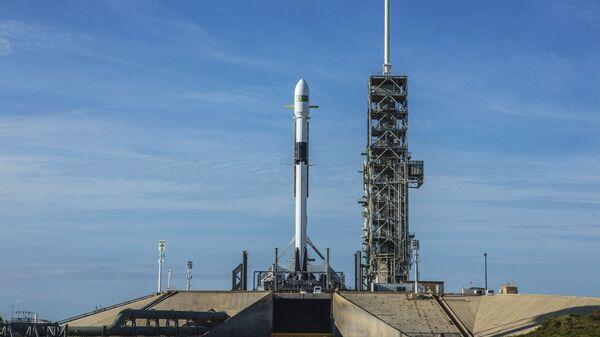 Ракета-носитель Falcon-9 компании SpaceX. Архивное фото