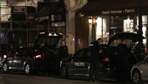 Нападение на прохожих в центре Парижа, Франция