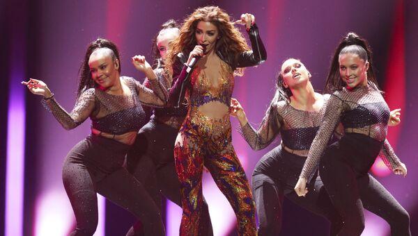 Участница из Кипра Элени Фурейра в финале конкурса Евровидение . 12 мая 2018