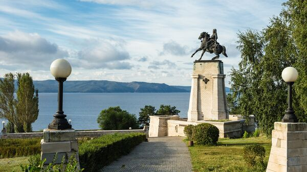 Памятник Василия Татищева в Тольятти