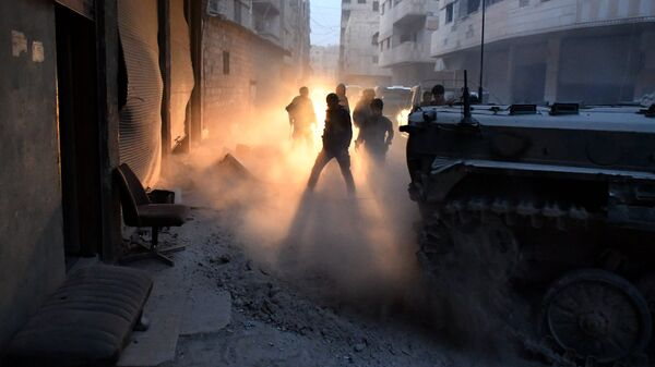 Сирийские военнослужащие в южном пригороде Дамаска