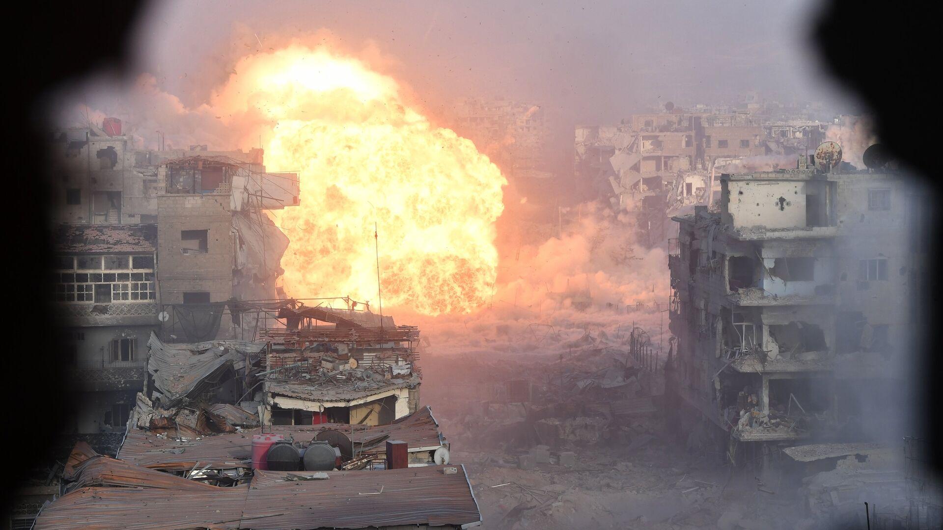Штурм позиций бойцов террористической организации Исламское государство (ИГ)* в южном пригороде Дамаска. 17 мая 2018  - РИА Новости, 1920, 30.09.2020