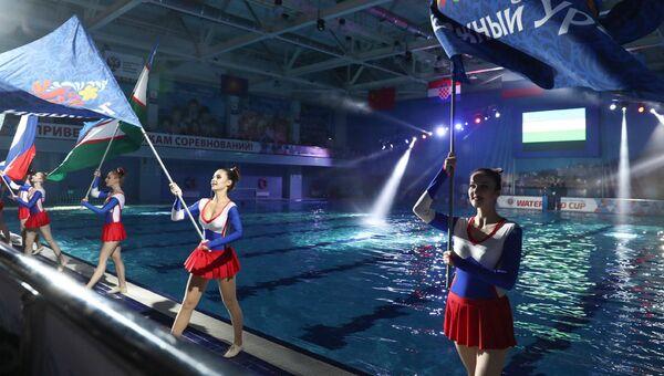 На Урале волонтеры примут участие в Кубке губернатора по водному поло