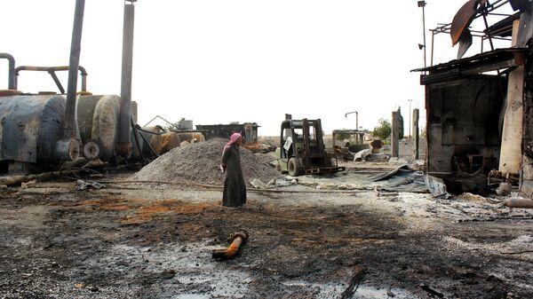 Разрушенный нефтеперерабатывающий завод в Сирии. Архивное фото