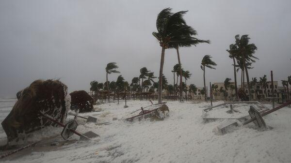 Последствия тропического циклона Макуну в Омане. 26 мая 2018 года