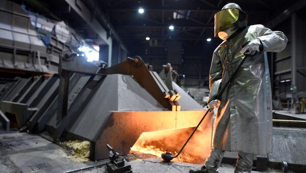 Цех завода немецкого производителя стали Salzgitter AG в Зальцгиттере