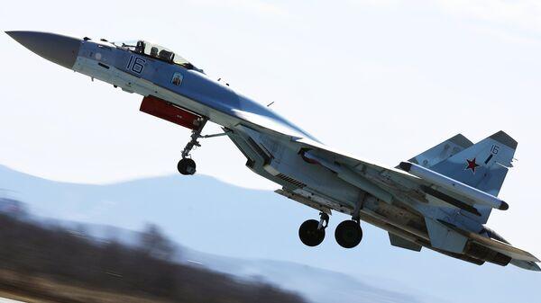 Истребитель Су-35 на соревнованиях военных летчиков Авиадартс-2018. Архивное фото