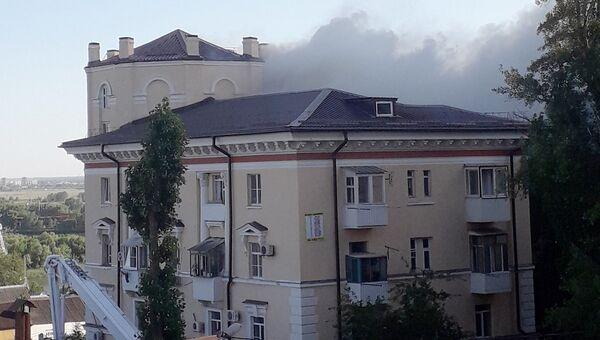Пожар на крыше 4-этажного жилого дома в Ростове-на-Дону. 19 июня 2018