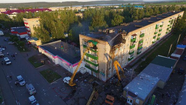 Ликвидация последствий взрыва газа в жилом доме в городе Заинск, Татарстан. 22 июня 2018