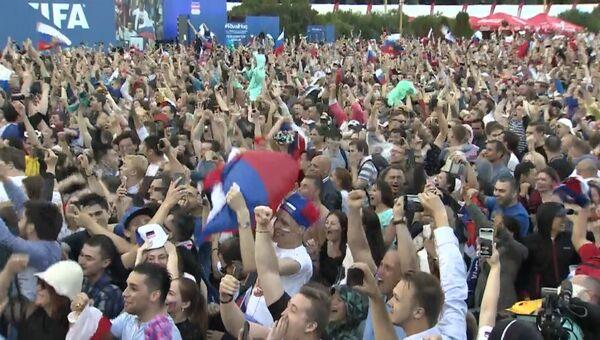 Ликование и восторг - реакция россиян на выход сборной в четвертьфинал ЧМ