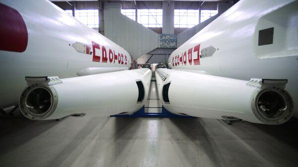 Ракеты-носители Протон-М в цехе центра им. М. В. Хруничева