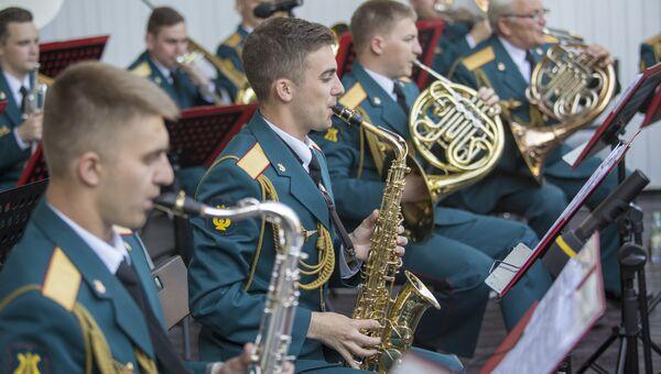 Выступление Центрального военного оркестра Министерства обороны Российской Федерации в саду Эрмитаж. Архивное фото